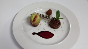 Chocolate truffle with roasted figs